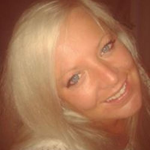 Corinna Hau's avatar