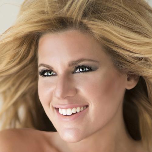 Carly Robyn Green's avatar