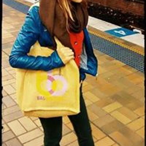Anne Lore 1's avatar