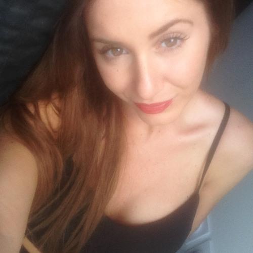 Charlotte Vrz's avatar