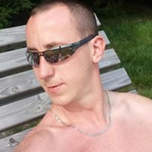 Lukas Swichura's avatar