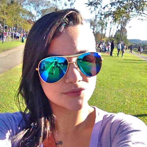 Daniela Mourão's avatar