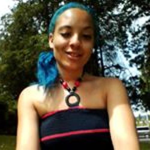 Sarah Chisholm 3's avatar
