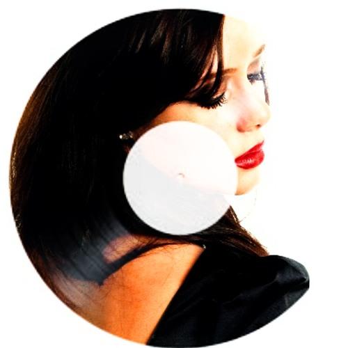 Yanina Mattje's avatar