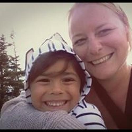 Stephanie Bell 40's avatar