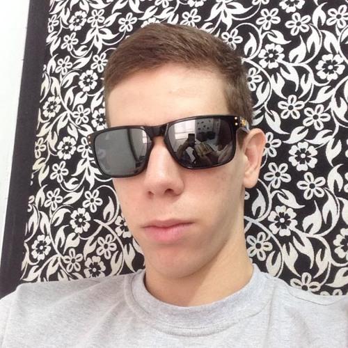 Carlos1Eduardo's avatar