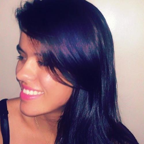 Milena Lacerda's avatar