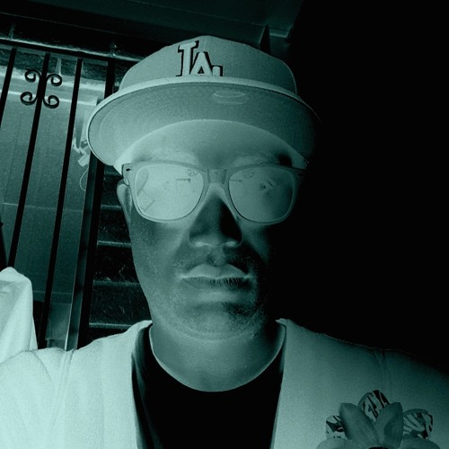 Mr. Robot0's avatar