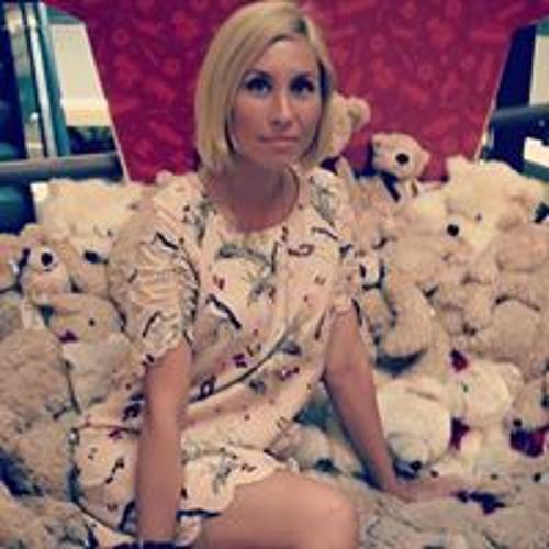 Dashunya Lee's avatar