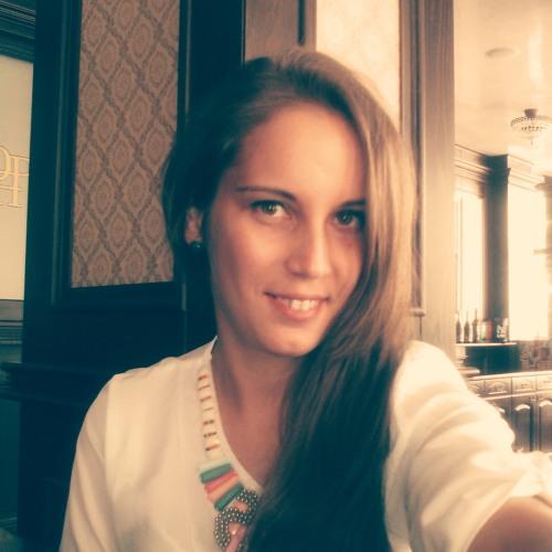 Andreea Nichitus's avatar