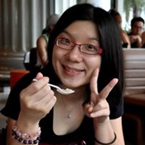 Aline Kee's avatar