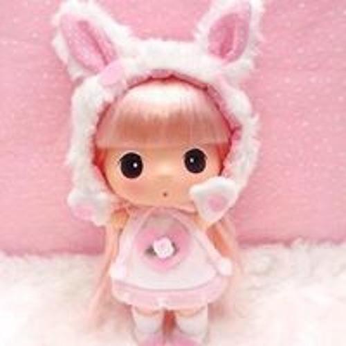 Connie Wong 14's avatar