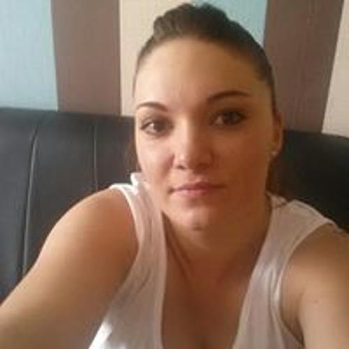 Leanne John's avatar