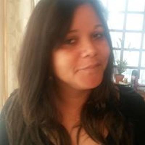 Elma Shirlaw's avatar