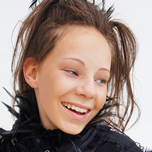 Elena Manja's avatar