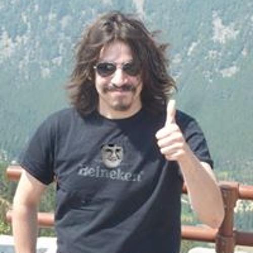 Mark Martiniano Güicho's avatar
