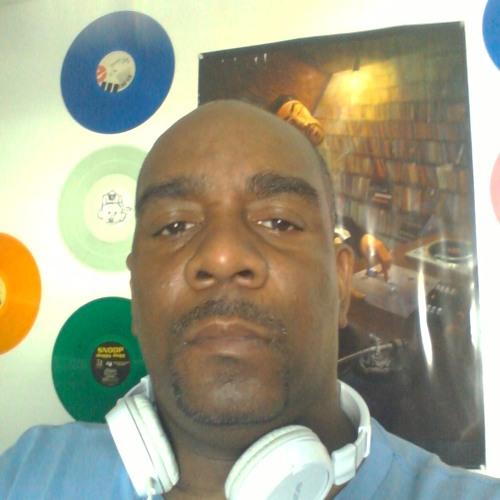 DJ JUS NICE's avatar