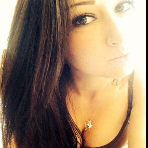 Julia Ardouin's avatar