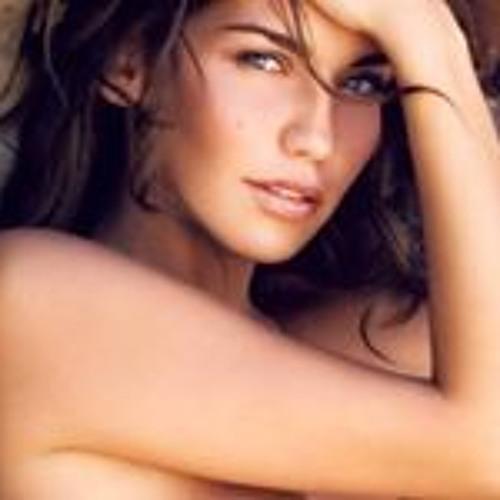 Julia Kosenda's avatar