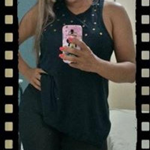 Karen Carvalho 16's avatar