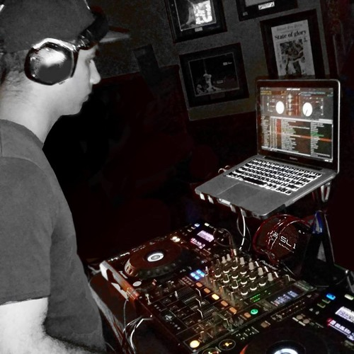 DJ-R3Z's avatar