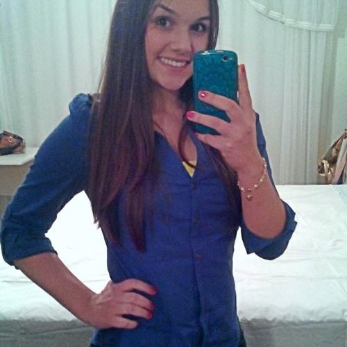 Carolina Boaretto's avatar