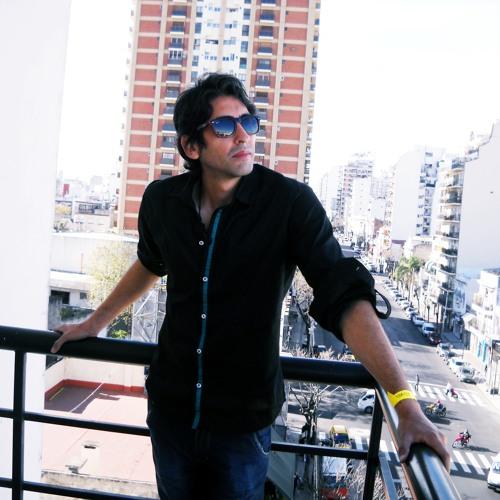 Roberto Miranda's avatar