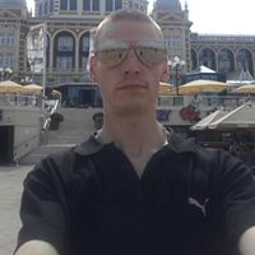 Erik Daniels 3's avatar