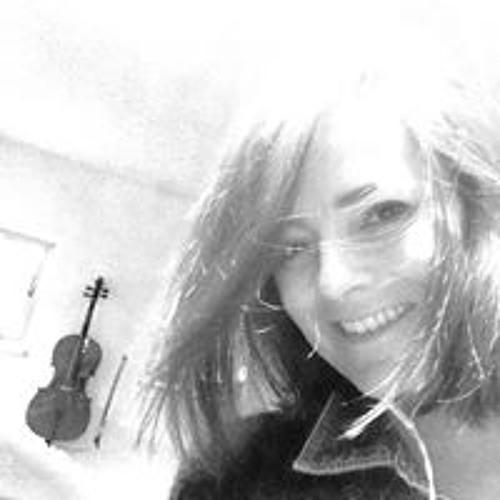 Maria Leal 26's avatar