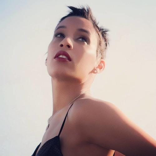 Estrella Cristina's avatar