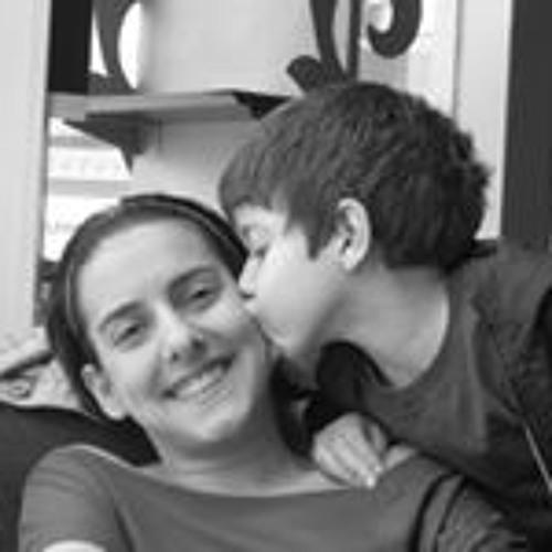 Carolina Kajatt Bernardis's avatar