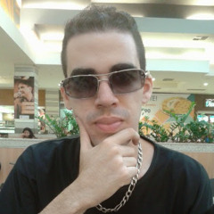 Erick Charmil