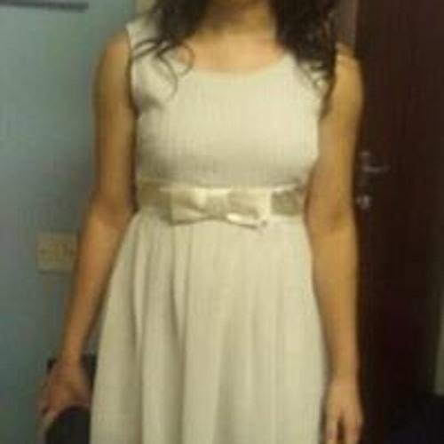 Danielle Clare's avatar