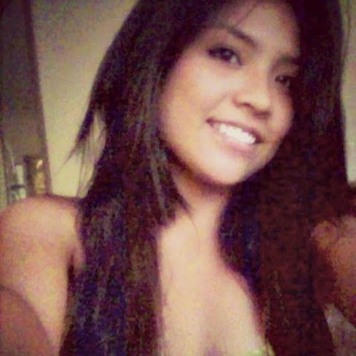 Stephanie Hernandez 214's avatar