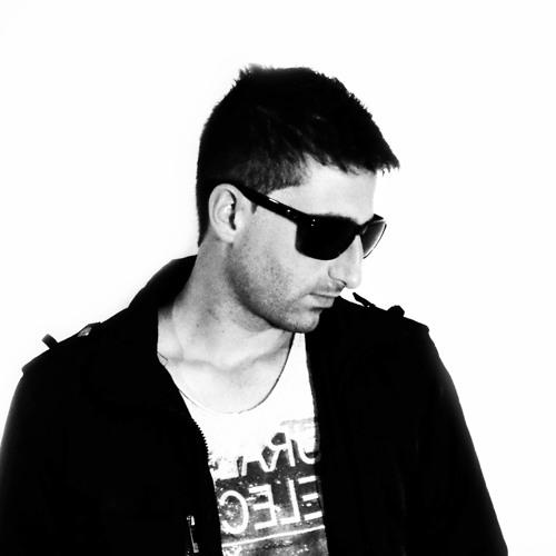 Ale Freitas's avatar
