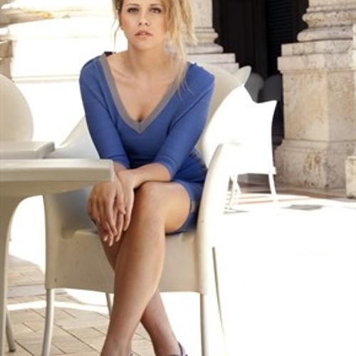 LauraOstergaard's avatar