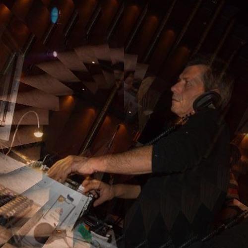 Denis Dimosthenous's avatar