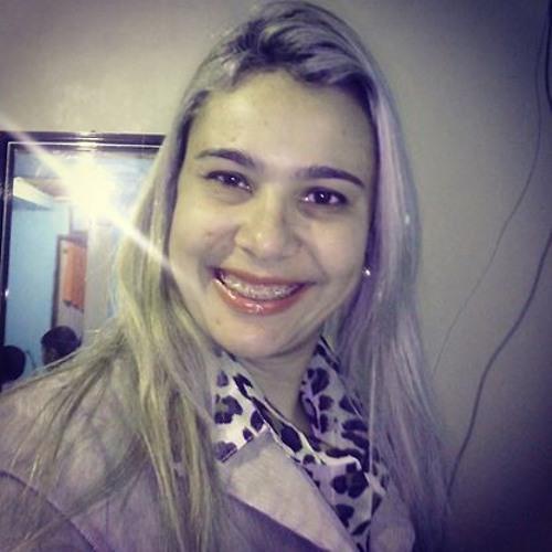 Juliane Nunes's avatar