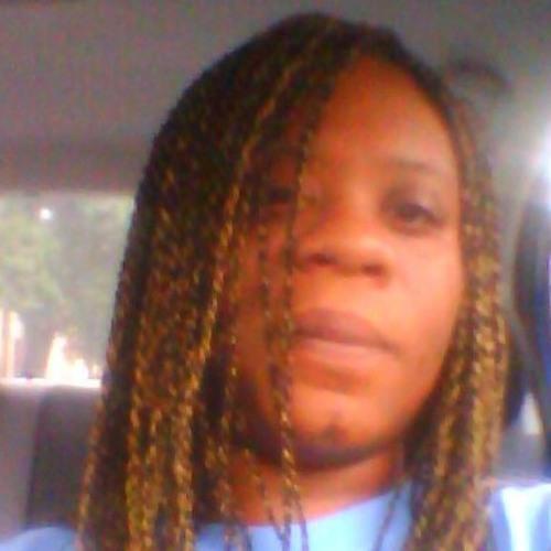 tarahb313's avatar