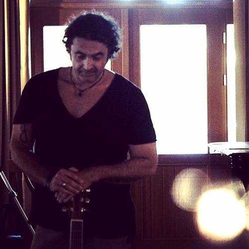 Juan Al Hassani's avatar