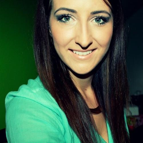 Claudia Pomianek's avatar