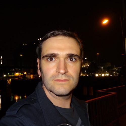 Chris QHQ's avatar