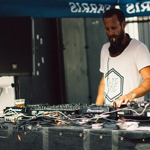 timo baetzel's avatar