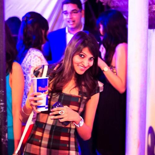 Aarthi Srikanth's avatar