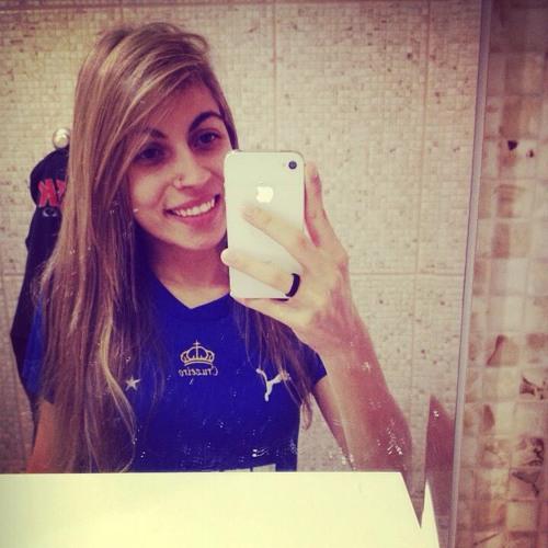 Bruninha Rocha's avatar