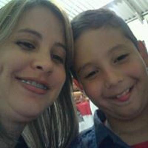Juliana Bueno 16's avatar