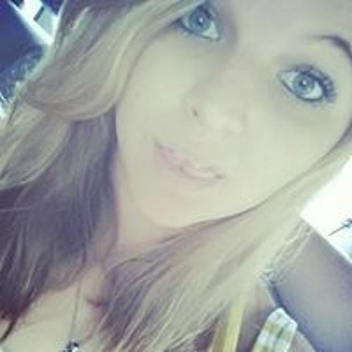 Melanie Memola's avatar
