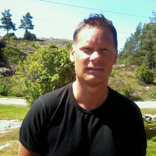 Fredrik Theng's avatar