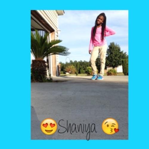 Shaniya James's avatar
