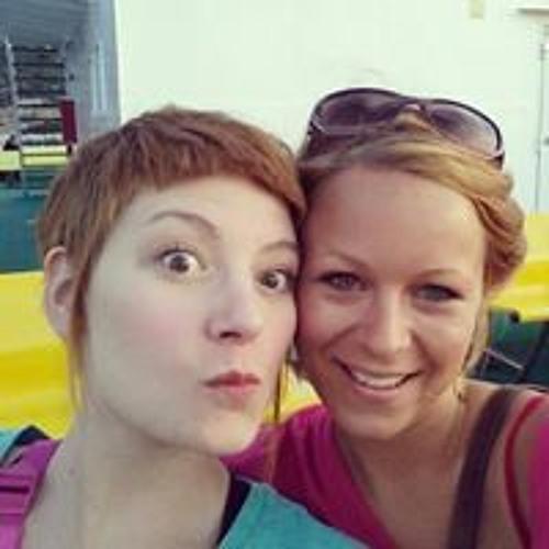 Julie Gillet Back's avatar